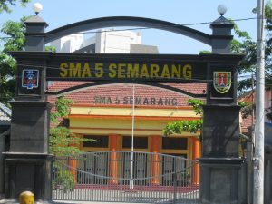 SMA 5 Semarang